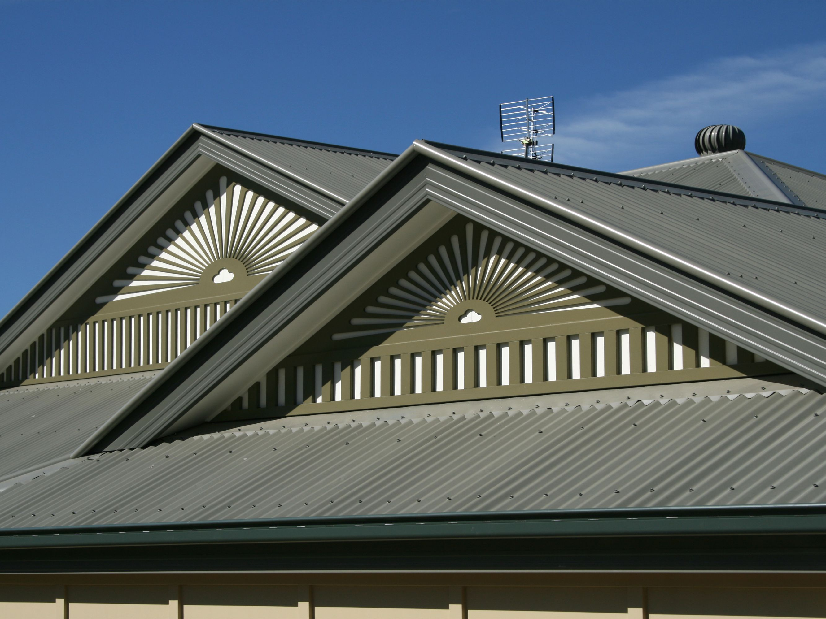 2020 Metal Roofing Prices Per Sq Ft Total Cost Installed Vs Shingles Modern Farmhouse Exterior Contemporary Farmhouse Modern Farmhouse Design