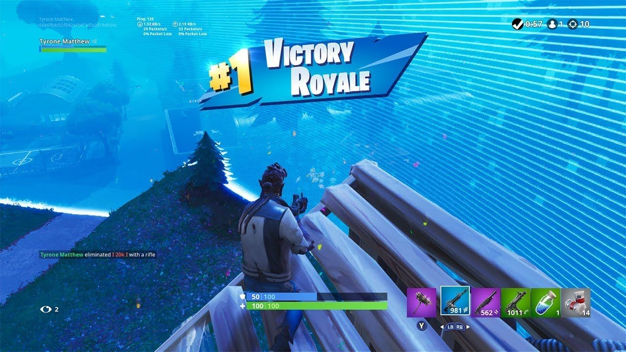 Pro Console Player Getting a 10 kill solo win with Aimbot in