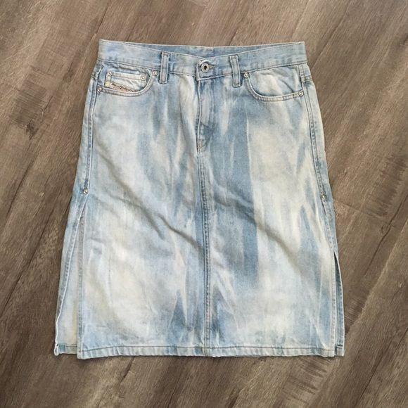 Diesel side slit denim skirt Diesel industry. Size 28. Faded acid wash style denim skirt. 100% cotton, vintage inspired denim. High Side slits. Five pocket styling. Excellent condition. Diesel Skirts