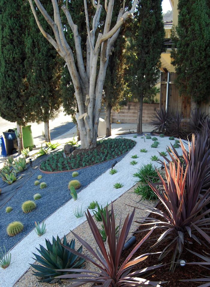 1001 Modeles De Parterre De Fleurs Avec Galets Parterre De Fleurs Organiser Jardin Idee Jardin Paysagiste