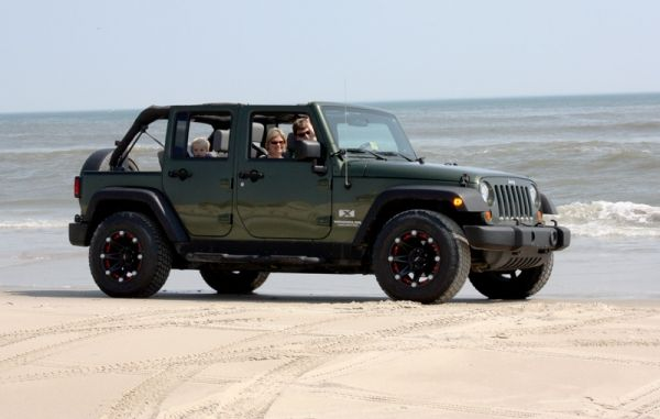 Beach Jeeps Of Corolla Experience A Wild Horse Tour Where You Drive Yourself In 2 Door Or 4 Jeep Wrangler Do The Driving And We Plot