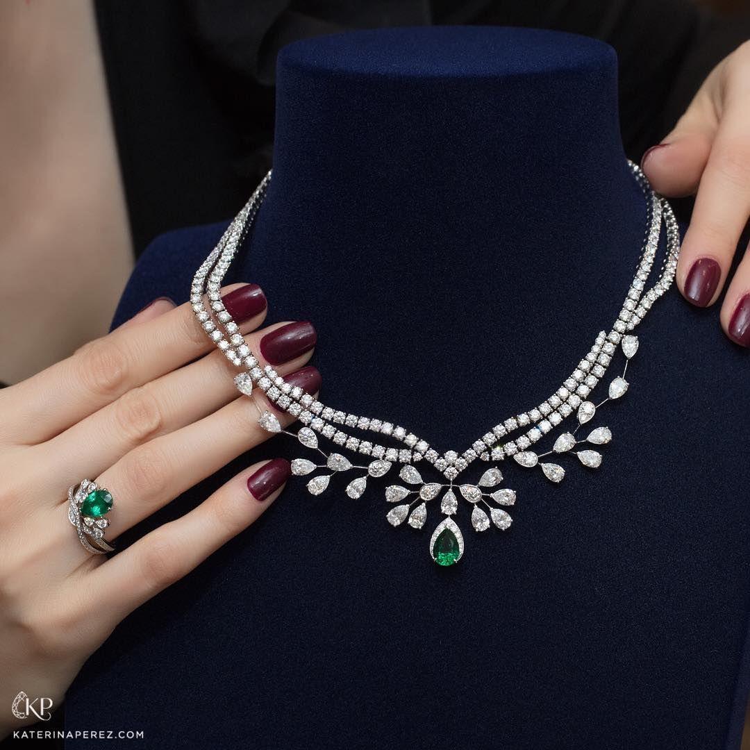 """Photo of KATERINA PEREZ Jewelry Insider auf Instagram: """"Der @chaumetofficial Joséphine"""" Aigrette Impériale """"Ring und die Halskette sind in Weißgold mit Diamanten im Brillantschliff eingefasst. Die Halskette… """"- Frauenhalsketten   Gold & Diamant Halsketten"""