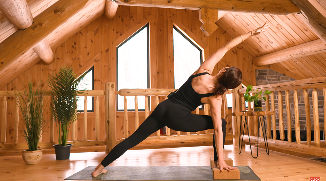 10-min-sunrise-full-body-yoga-day-15
