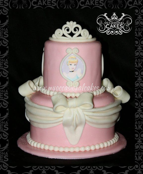Crown Cake Design