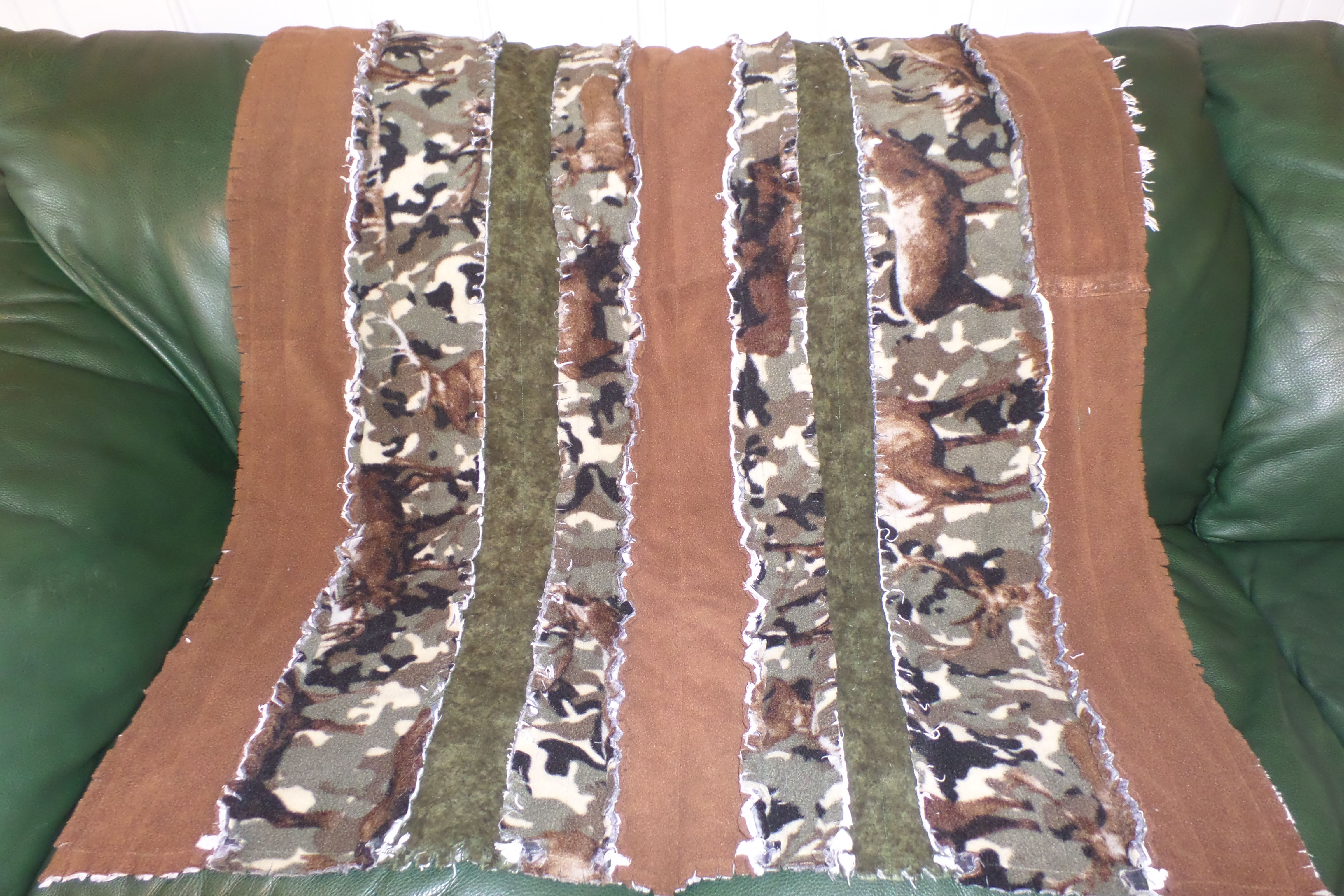 Fleece vs flannel   Camo Rag Quilt This is various fleece strips made into a rag