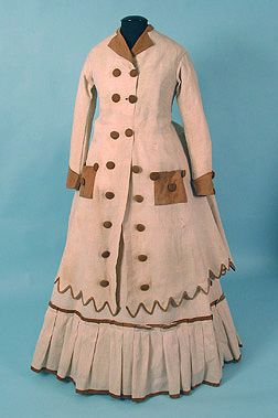 1870s travel ensemble - how fun is this?!
