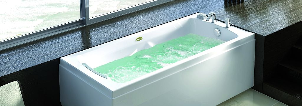 1000 Images About Baignoire Baln o Jacuzzi On Pinterest  Bathroom Jacuzzi  Delonho com. Jacuzzi Bathroom Images