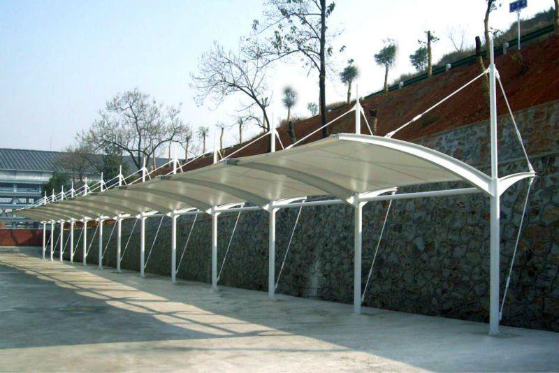 Cochera para techos hoja de policarbonato para techos for Modelos de techos para cocheras