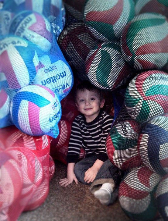 Molten volleyball FORT?! Yes, please! Super cute photo from USAV Badger Region Volleyball.
