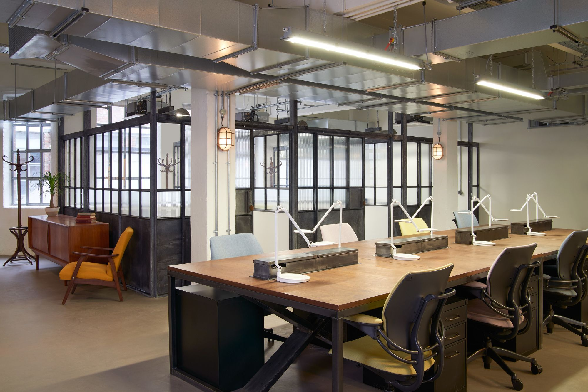 Pin de victoria pustynsky en aurora offices pinterest for Diseno oficinas industriales