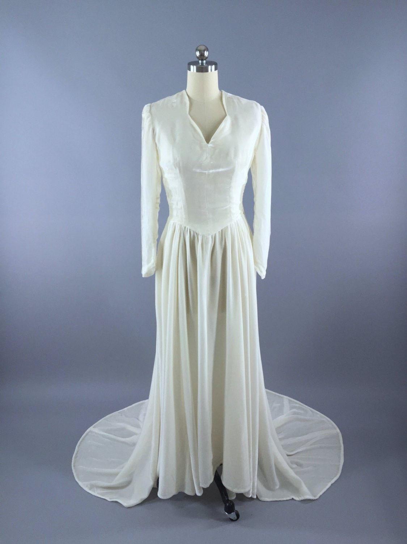 ef824b4e123 Vintage 1930s Wedding Dress   1940s Winter White Ivory Silk Velvet Bridal  Gown