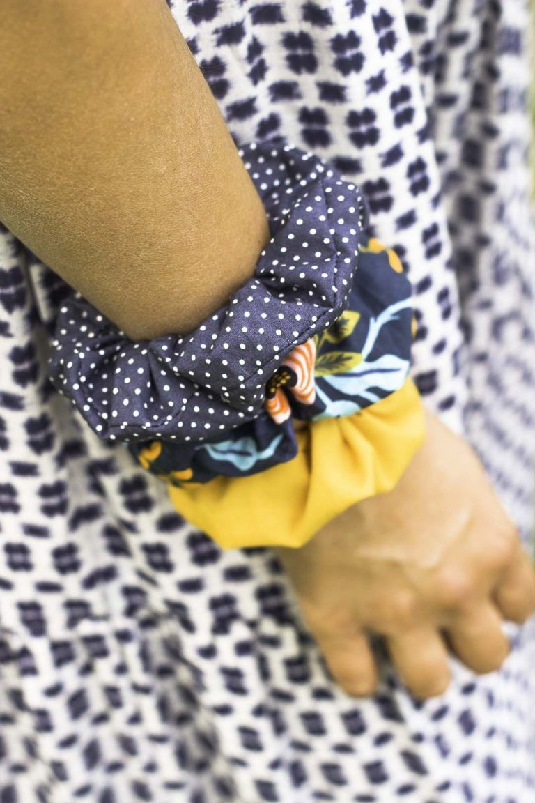 How to Make a Scrunchie: DIY Tutorial #scrunchiesdiy