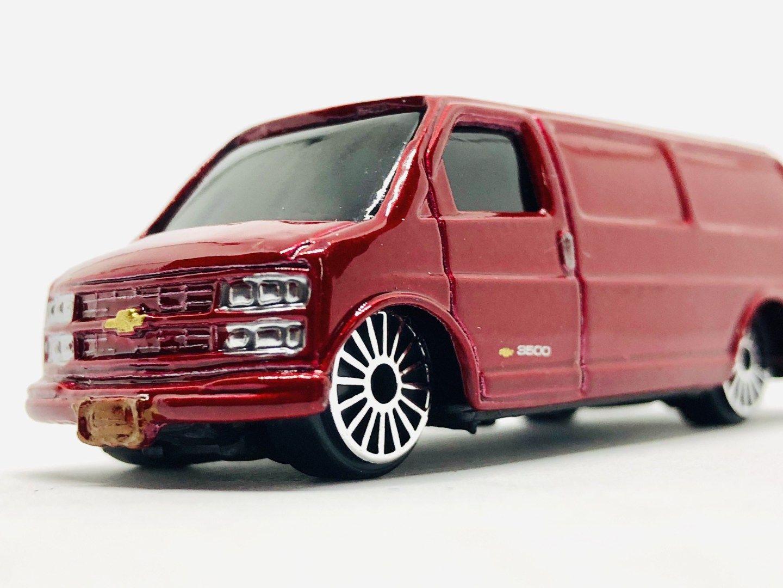 Airport Soetta Find Maisto Chevrolet Express Van Chevrolet