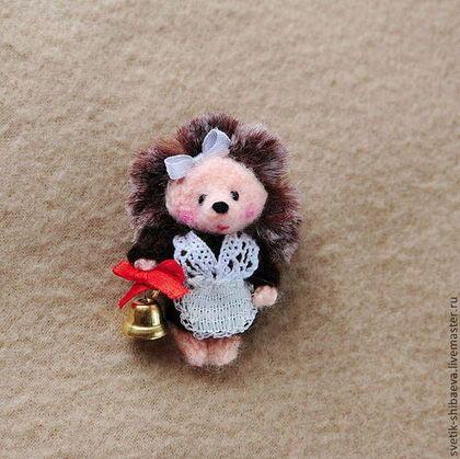 Ёжики - вязаные брошки-игрушки - коричневый,ёжики,ёжики брошки,брошка ёжик