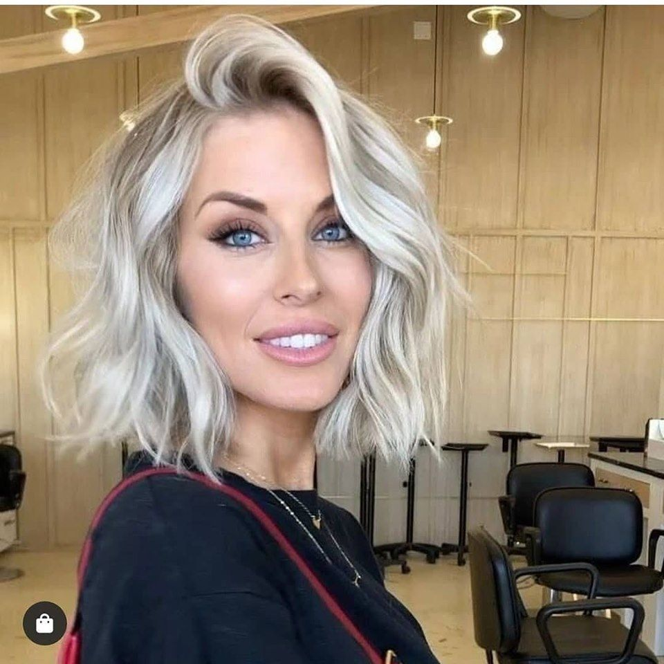 Platinum Blonde Tones And Icy Blue Silver Hair Styles Short Blonde Hair Icy Blonde Hair Thick Hair Styles