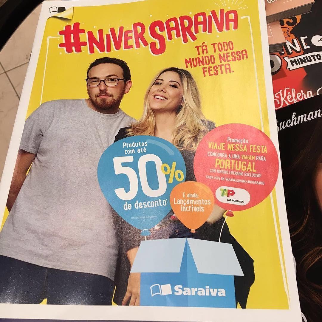 """Campanha de aniversário da Saraiva por todas as lojas do Brasil! Eba! #manualdafossa bombando! Meu companheiro de editora @fredelboni com o seu novo livro """"Só a gente sabe o que sente""""! @saraivaonline  Ah genteeeee! O meu novo livro vem aí! Novembro! #amorex"""