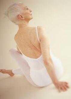 the core exercises for elderly women  senior fitness