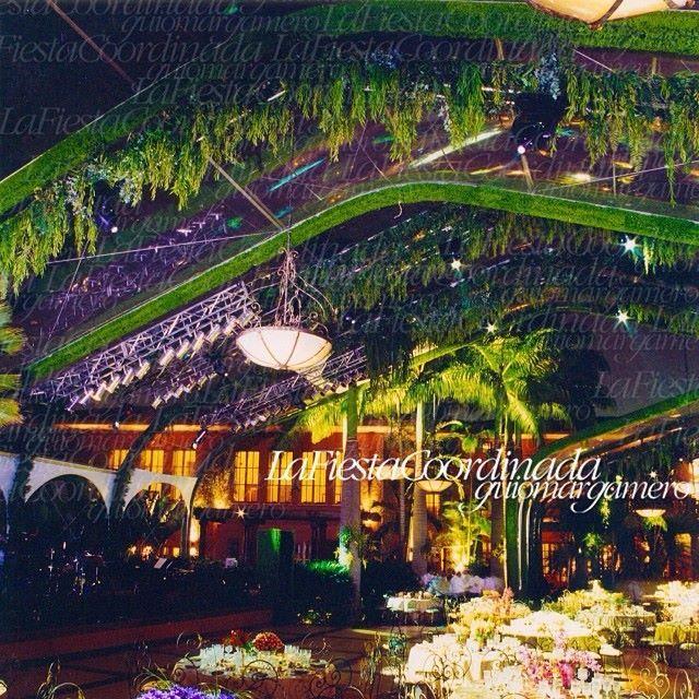 Ambientacion escenograf a techos decorados techos de for Estructuras de jardin
