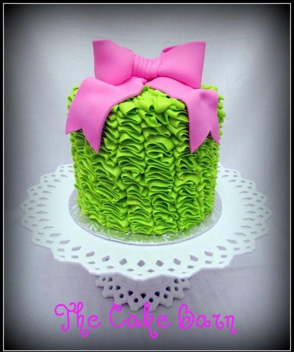 cake boss ruffles 'n bows