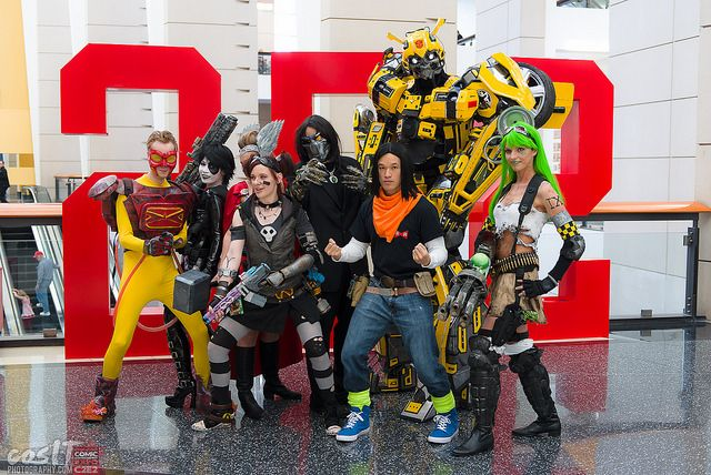 CosAwesome Studios Cosplay Pyro, Domino, Gaige, The Darkness, Aphrodite IX, Android 9 and Bumblebee cosIT_C2E2_2014-6978 | Flickr - Photo Sharing!