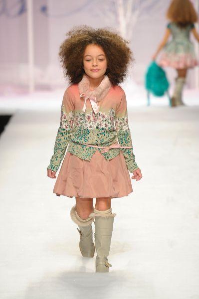 Moda para Niños y Niñas: Diseñador Miss Blumarine