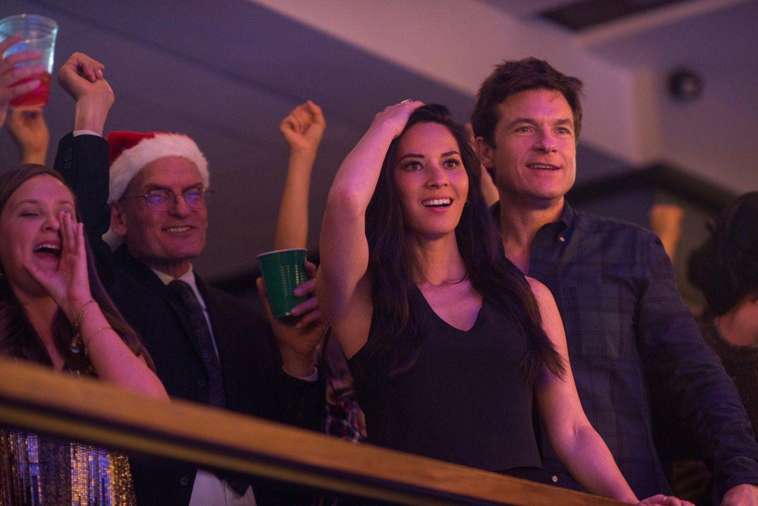 Jason Bateman and Olivia Munn in Office Christmas Party (24 ...