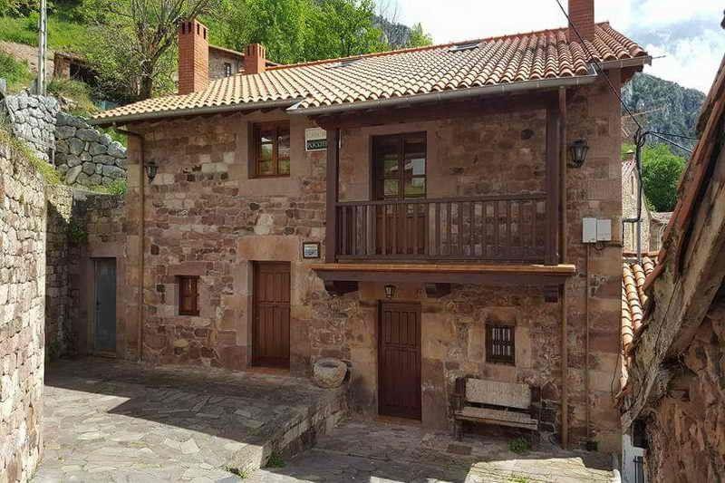 Casa Rural Pocotrigo Fachada casa rural Cantabria Cantabriarural
