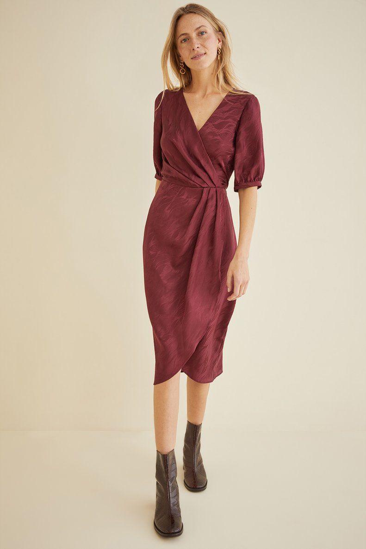 Pin By Laura Westman On Jurkje Wrap Dress Burgundy Dress Dresses [ 1186 x 791 Pixel ]