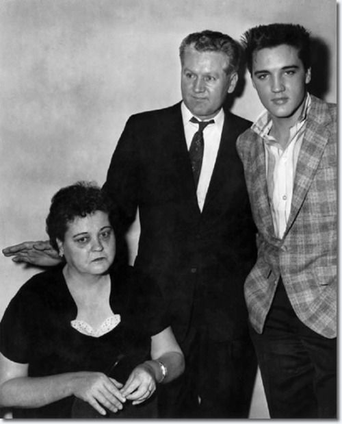 March 24, 1958: Elvis and parents, induction into the Army