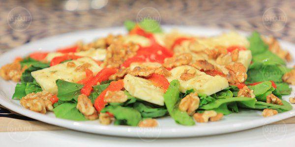 Cbc Sofra طريقة تحضير سلطة جبنة حلوم مع الفلفل المشوي سالي فؤاد Recipe Recipes Green Beans Vegetables