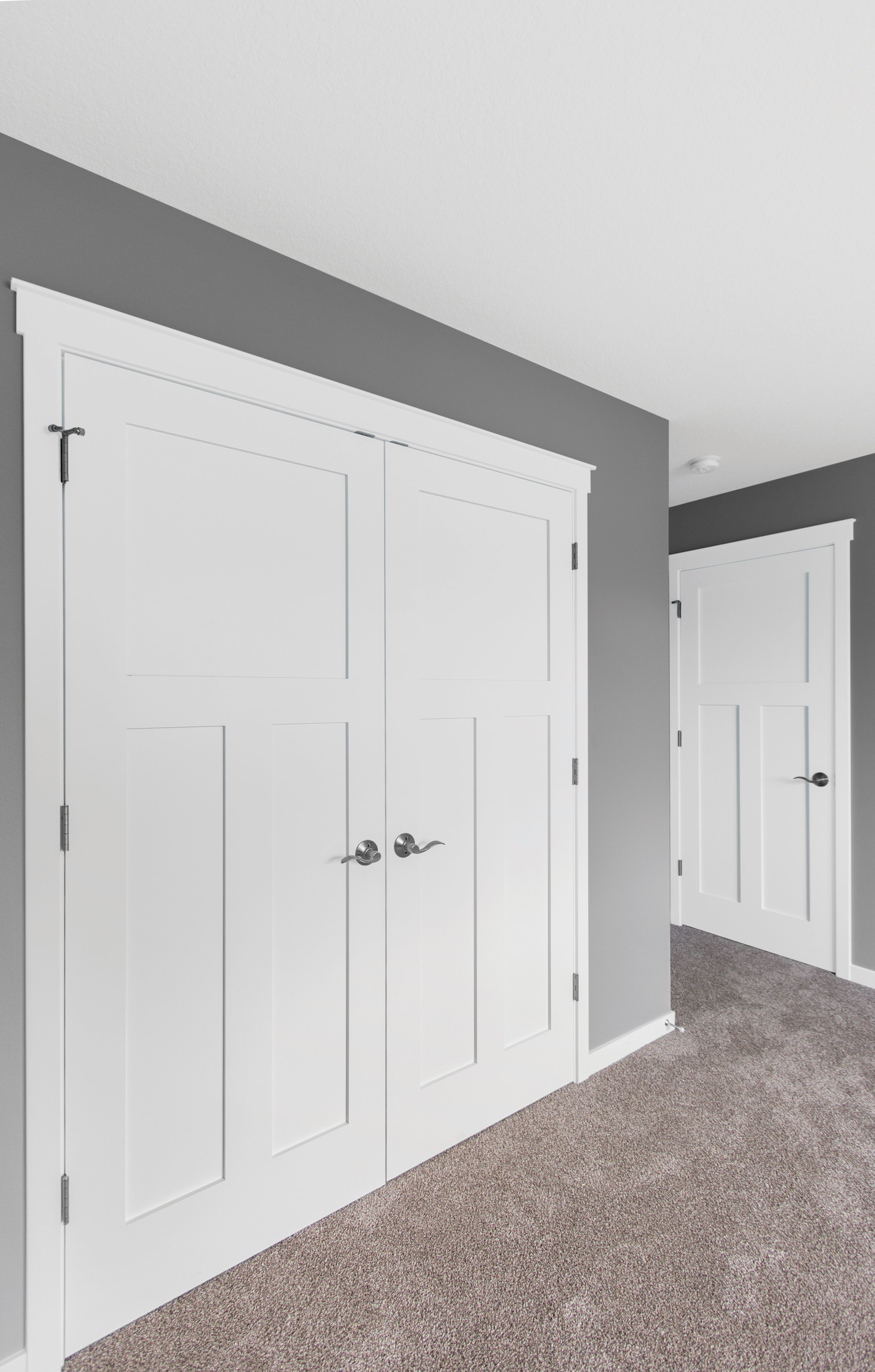 3 Panel Mission Doors From Mastercraft Are Perfect For Any Home Discount Interior Doors Craftsman Interior Doors Doors Interior
