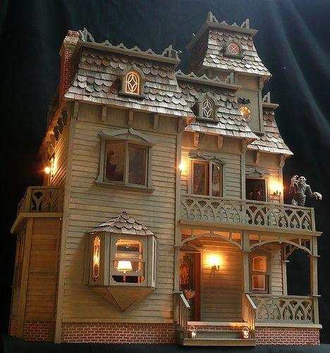lighted dollhouse Fachadas casas miniatura Pinterest Figurine