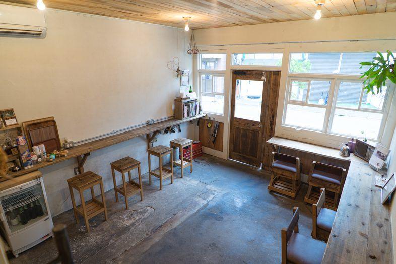 Goblin 府中cafe店 普段はコミュニティースペース カフェとして営業している店舗を撮影スタジオとしてご利用頂けます 古民家をリノベーションしたカフェ空間を一棟まるまる貸切して頂いたり 2fスペースのみを貸切頂くこともできますので 人数に合わせてスペースをお