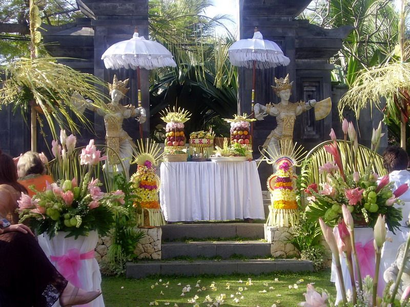 Beautiful wedding ceremony decorations fashion female and have fun beautiful wedding ceremony decorations fashion female and have fun balinese wedding decoration momens junglespirit Images