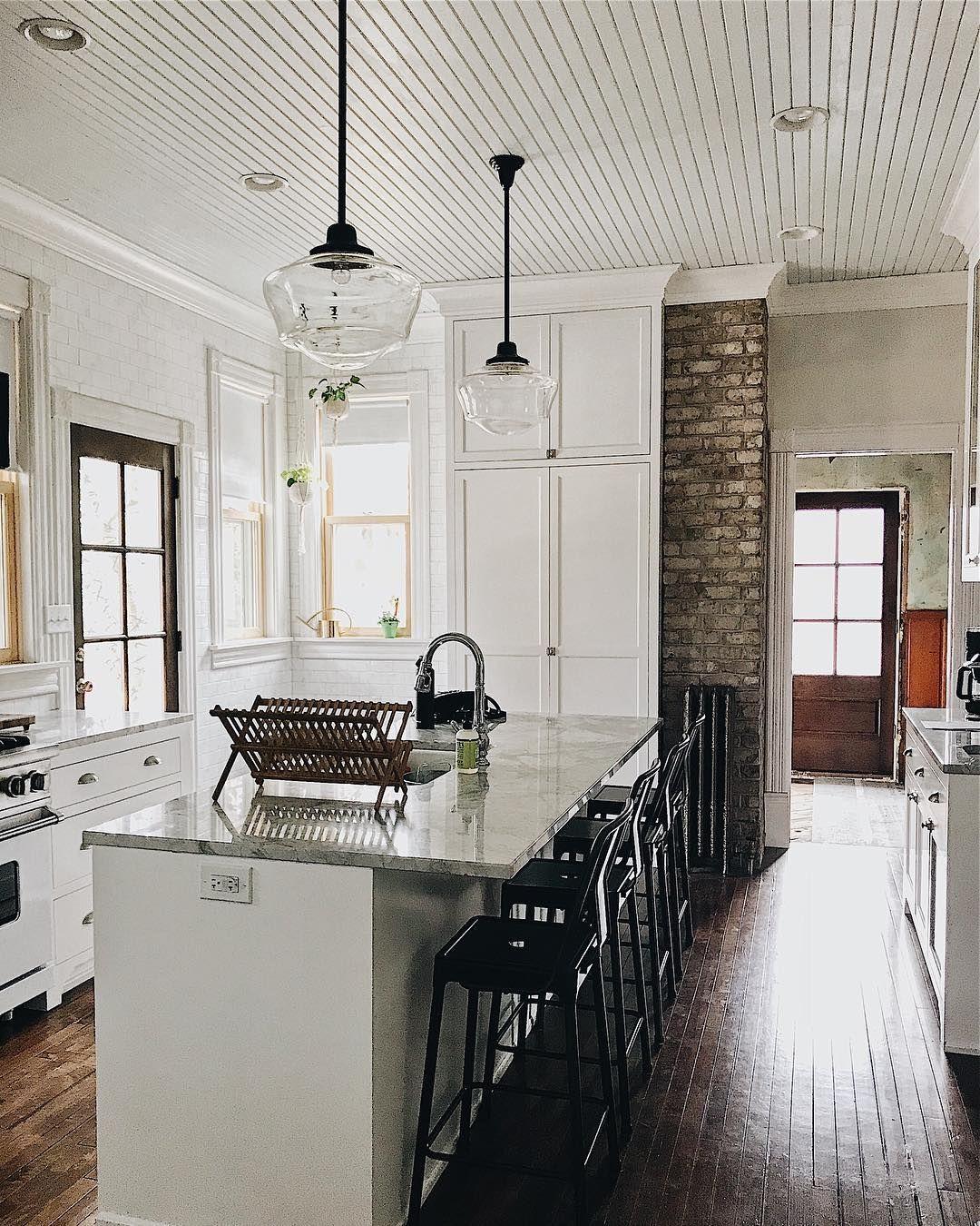 21 Victorian Style Kitchen Design And Ideas: The Victorian Farmhouse