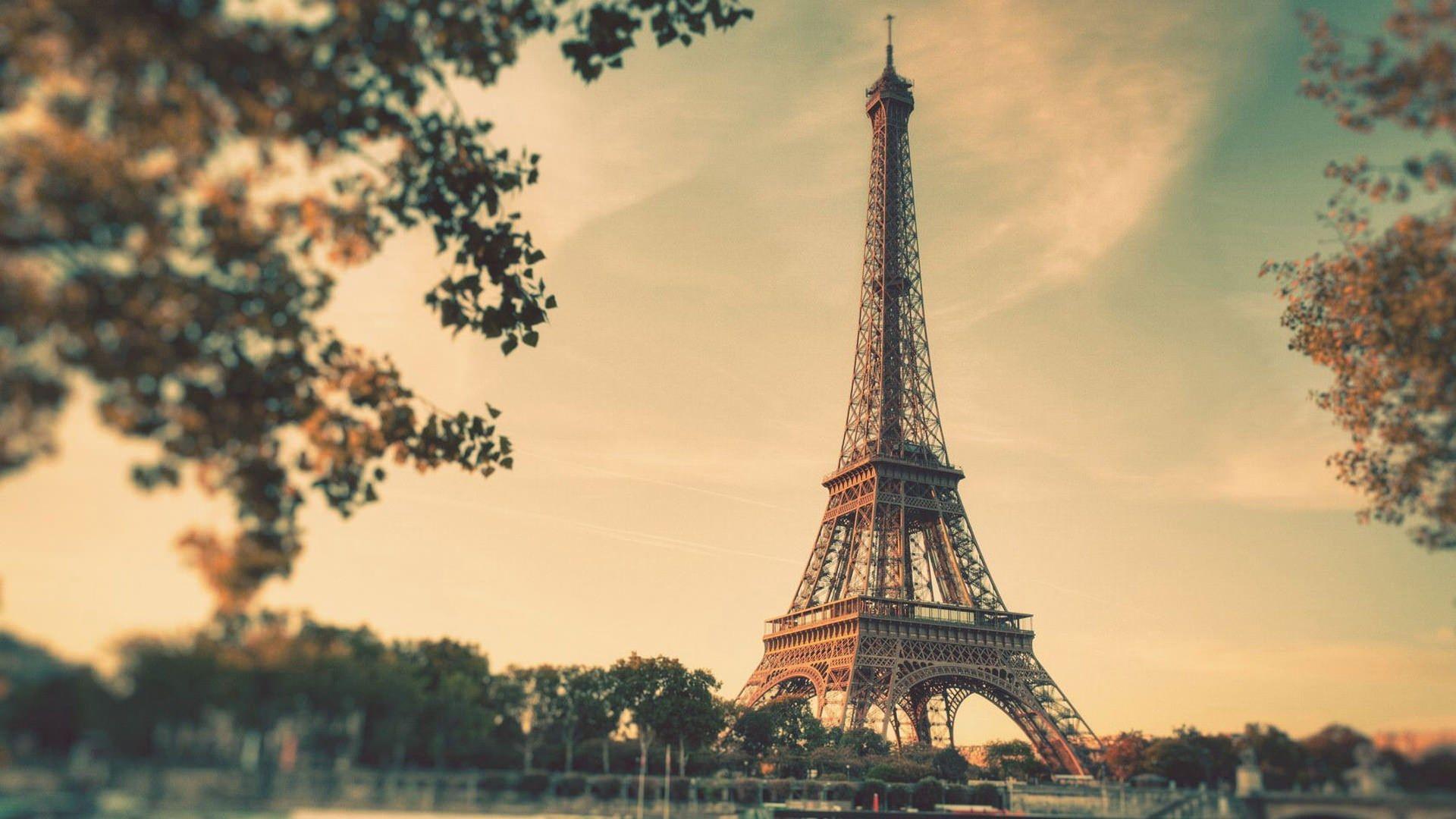 Vintage Eiffel Tower Free Desktop Wallpaper 1920x1080 Eiffel Tower Paris Wallpaper Paris Eiffel Tower