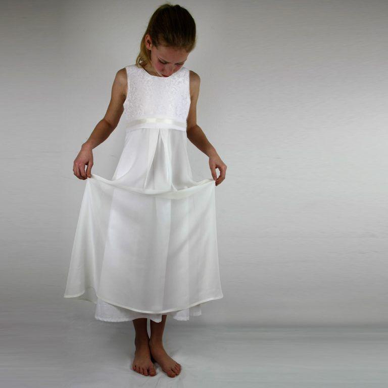 Ein barockes Mädchenkleid | Kommunion kleider, Kommunion ...