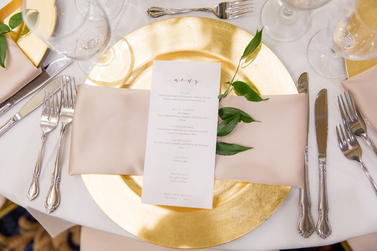 Classy And Traditional Gold And White Wedding Gold Wedding Plates Charger Plates Wedding Gold Charger Plates Wedding