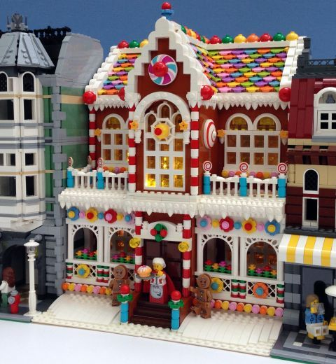LEGO Gingerbread House by Parks and Wrecked Creations #gingerbreadhouseideas