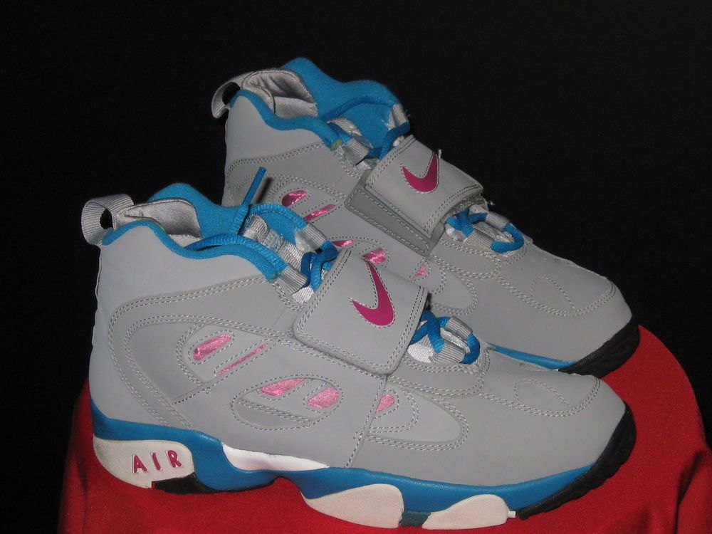 Women s Girls Nike Air Diamond Turf II size 6Ysz 8.5W Grey Fireberry Blue   Nike  FashionSneakers 698d85709344