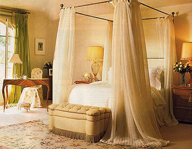Bedroom designs on pinterest bedrooms romantic bedrooms Beautiful canopy beds