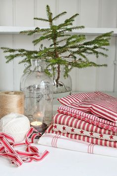 VIBEKE DESIGN: Christmas in red and white