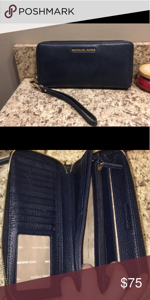 """d13cff57be59 Michael Kors """"Jet set"""" Travel wallet/wristlet Like new condition used just  a few times. No tears or marks. In the shade """"admiral"""" which is a gorgeous  navy ..."""