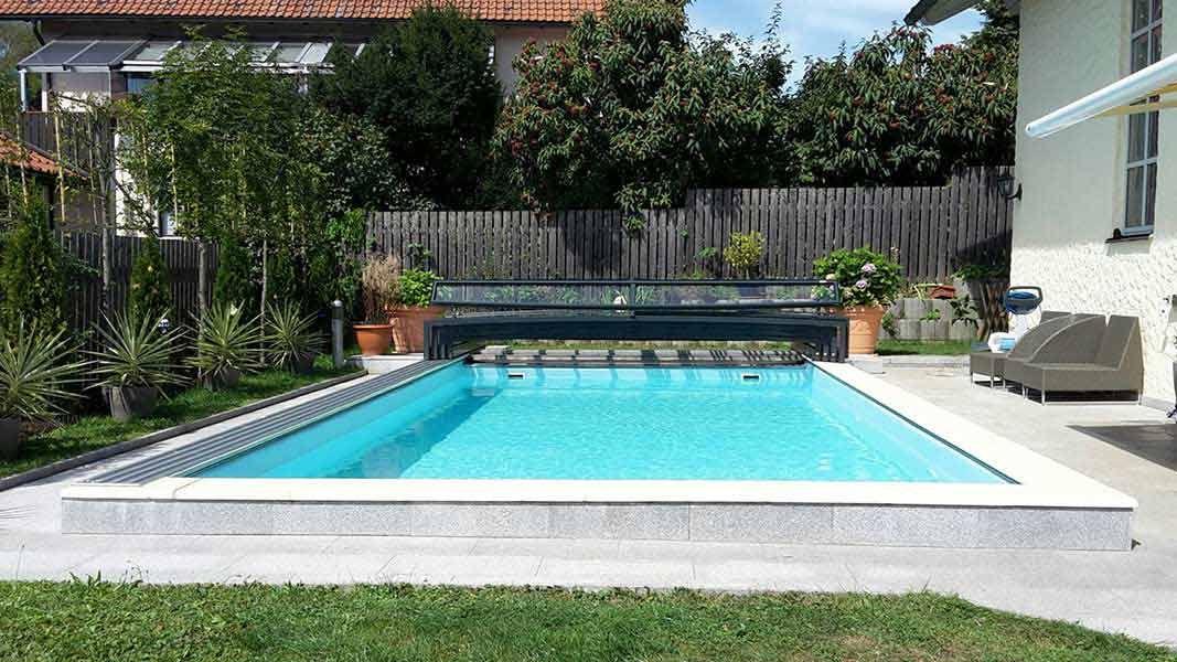 Poolüberdachung mit einseitiger Laufschiene aus Österreich Pool