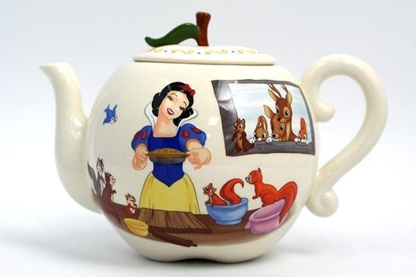 Snow White's Apple Teapot