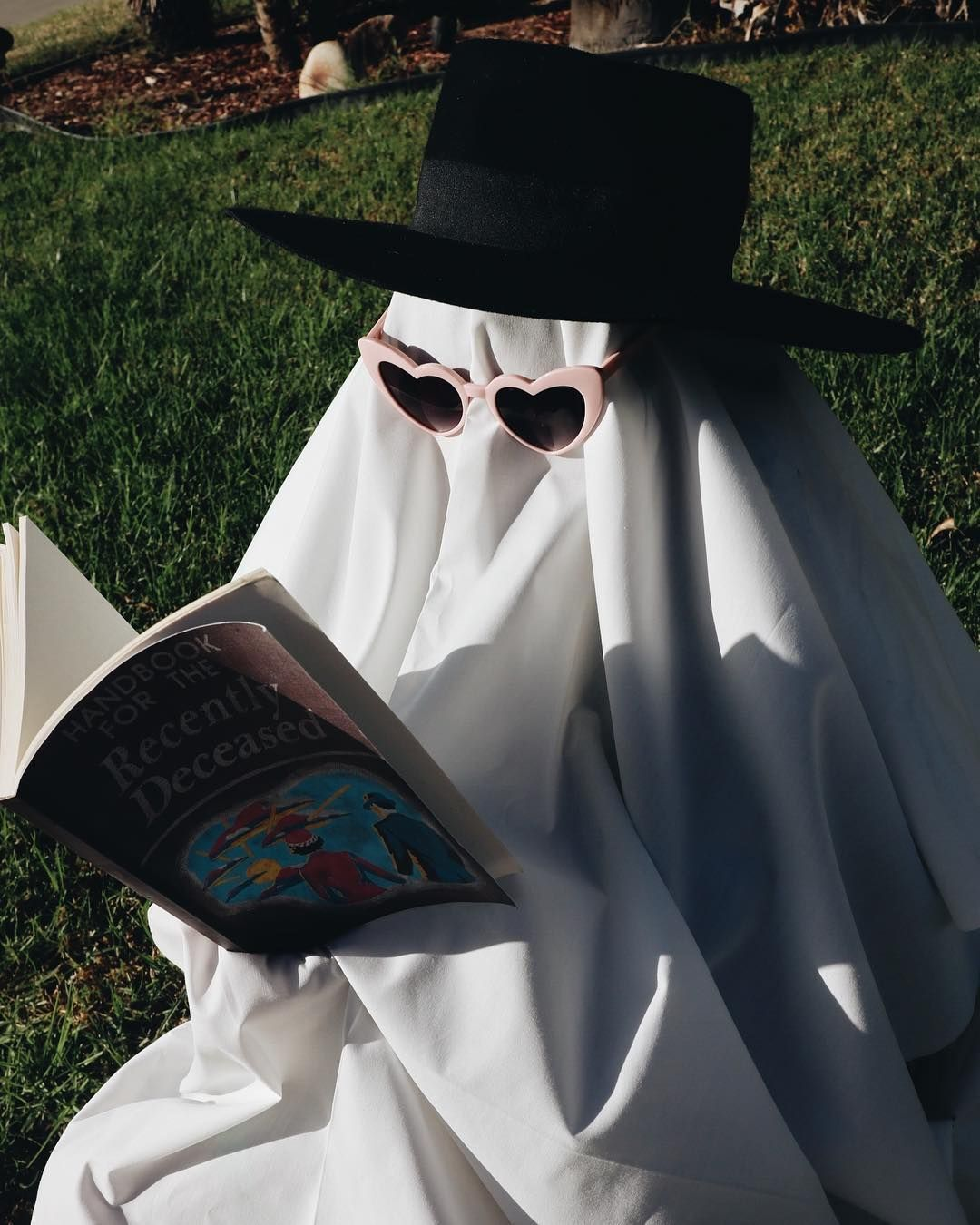 Easy, Cheap, and Quick! 65 Creative Halloween Costumes to