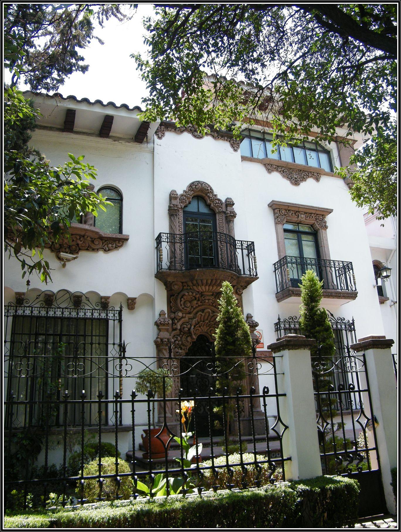 12 estilo colonial californiano casas de ensue o for Fotos de fachadas de casas estilo californiano