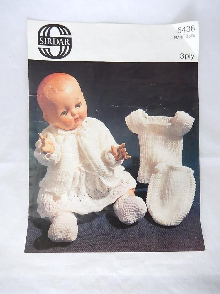 bba9e3eb2120 VINTAGE SIRDAR KNITTING PATTERN FOR DOLLS CLOTHES +3 BALLS OF WOOL ...