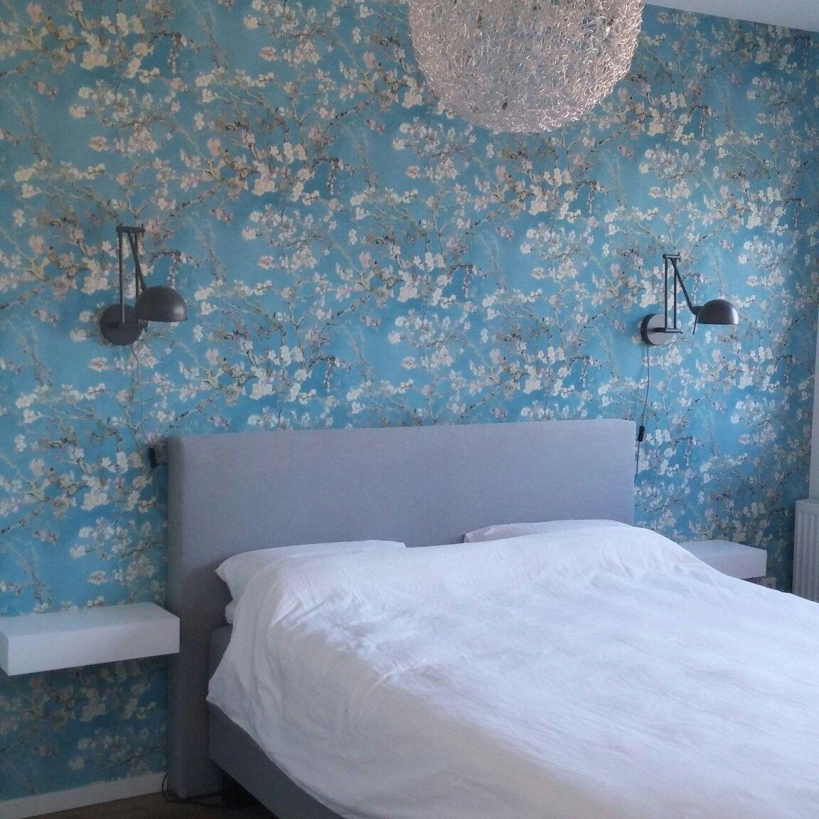 Slaapkamer; van Gogh behang Amandelbloesem | Ons huis | Pinterest