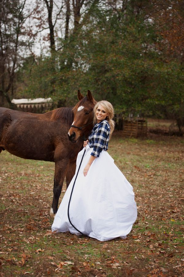 country-bride-and-horse